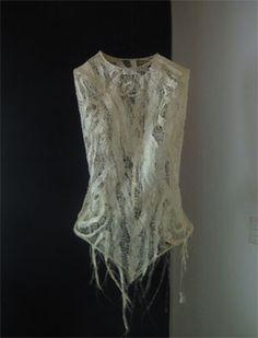 Google Image Result for http://turamavision.com/artexperience/files/2011/12/Andrea-Eimke-Dress-1a.jpg