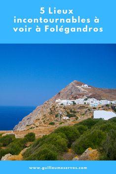 Découvre la sublime île de Folégandros dans les Cyclades (Grèce). Au menu : Chora, son musée populaire, les sublimes plages de Livadaki, Katergo, Agali. Avec sa superficie de 32 km² et son périmètre côtier de 40 km, Folégandros est une île sublime, reposante, avec des criques bien cachées et une nature très sauvage. #folegandros #cyclades #grece #voyage #blogvoyage #astucesvoyage