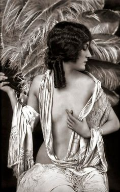 Alfred Cheney Johnston #vintage #photography