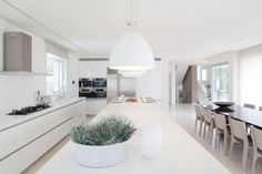 einrichtung im mediterranen stil küche weißes interieur