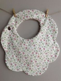 I have some baby showers in the future... this would be a neat extra 'throw-in' to make :)