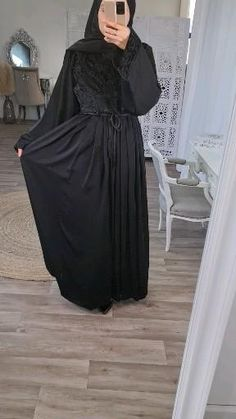 Hijab Fashion Summer, Modest Fashion Hijab, Modern Hijab Fashion, Abaya Fashion, Fashion Dresses, Abaya Noir, Mode Abaya, Abaya Dubai, Beautiful Dress Designs
