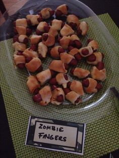Yummy zombie fingers for Black Ops 2 soldiers to eat between games!  Of course they are cocktail sausages cooked in crescent rolls!