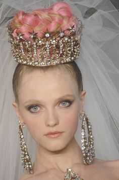 Ah have been wearing mah crown from a very young age. Oh, I get so Mad at jezabelle, And, my crown is a Christian Lacroix  design............
