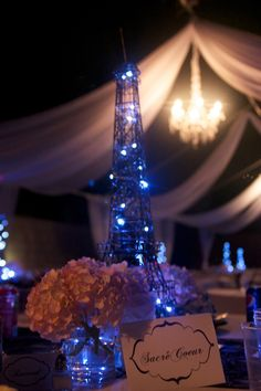 Eiffel Tower with draping, Socre Ceur table