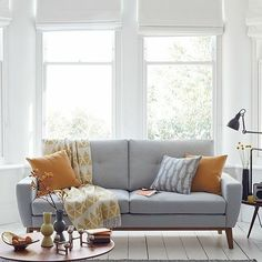 Amazing Modern Living Room Scandinavian Decoration for Your Home - Page 8 of 65 Living Pequeños, Living Room Grey, Living Room Modern, Living Room Interior, Home Living Room, Home Interior Design, Living Room Furniture, Living Room Designs, Small Living