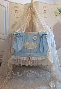 Angela Lace - Baby Bed