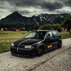 Golf 4 R32, Vw R32 Mk4, Black Rims, Vw Cars, Volkswagen Golf, Motorhome, Jdm, Savage, Instagram