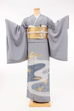 Elegant Wave Pattern Kimono with Gold Sakura Print Obi