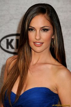 Minka Kelly I love her hair! Thinking about doing my hair this color Most Beautiful Faces, Beautiful Celebrities, Beautiful Eyes, Beautiful Actresses, Beautiful Women, Brunette Beauty, Hair Beauty, Brunette Girl, Minka Kelly Hair