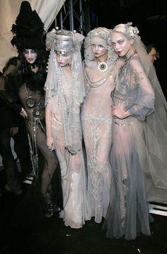 "lesliaisonsdemarieantoinette: "" Georgina ,Natasha, Magdalena, and Tanya at John Galliano Backstage fall 2009 Paris Fashion Week. Couture Mode, Couture Fashion, Runway Fashion, Fashion Art, High Fashion, Fashion Show, Fashion Design, Paris Fashion, Dior Couture"