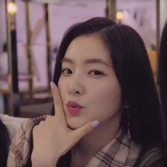 Seulgi, Red Aesthetic, Aesthetic Photo, Sooyoung, Korean Girl, Asian Girl, Irene Red Velvet, Red Velet, Face Claims