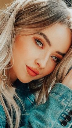 Beautiful Girl Makeup, Beautiful Girl Image, Sabrina Carpenter Style, Teen Photo Shoots, Blonde Hair Looks, Girl Meets World, Celebs, Celebrities, Aesthetic Girl