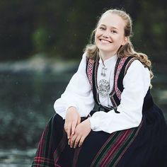 Bilderesultat for etnebunad from Svein Egil Økland Foto Folk Costume, Costumes, Norway, Style, Fashion, Swag, Moda, Dress Up Clothes, Fashion Styles