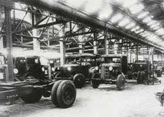 Fotografía de la cadena de montaje de la fábrica Tailleffer, en la Calle Ayala.