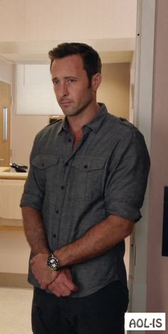 The Steve McGarrett Story – No # 133 | Alex O´Loughlin ~ An Intense Study