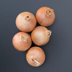 Oneida is a uniform storage onion that combines excellent yields with long storage potential. Oneida will produce a medium to large round on Onion Benefits, Yellow Storage, Starting Seeds Indoors, Seed Starting, Grow Your Own, Planting Seeds, Beets, The Cure, Vegetables