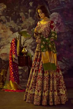 Pakistani Bridal look for Winter Wedding Pakistani Wedding Outfits, Pakistani Wedding Dresses, Indian Dresses, Indian Outfits, Latest Bridal Dresses, Bridal Outfits, Bridal Gowns, Wedding Gowns, Anarkali