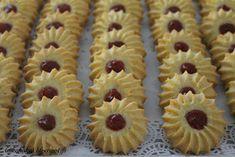 Tarun Taikakakut: Mansikkaiset vaniljapikkuleivät