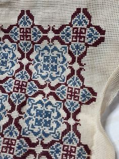 Cross Stitch Embroidery, Cross Stitch Patterns, Cushions, Stamp, Throw Pillows, Crochet, Ideas, Rugs, Cross Stitch