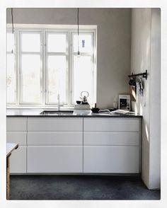 「 Today's workspace  #workwork #attefallshuset #smallspace #kitchen #interior #inspo #ikea #whitekitchen #concretefloor #pureandoriginal #fresco #limepaint… 」