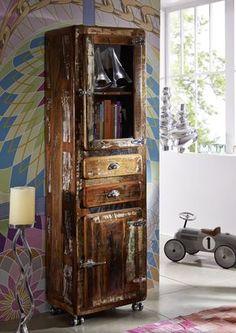 Vitrine der FREEZY-Serie, aus indischem Altholz. Im Industrial-Stil und farbenfroh lackiert lassen sich die Möbel wunderbar mit schon vorhandener Einrichtung kombinieren. #möbel #möbelstücke#wohnzimmer#holz #echtholz#massivholz#wood #wooddesign #woodwork #homeinterior #interiordesign #home #decor #einrichtung #furniture #livingroom #livingroomideas #ideas #altholz #industrialstyle #industrialchic #vintage #massivmoebel24 #vitrine #glasscabinett #esszimmer #dining #colourful #bunt…