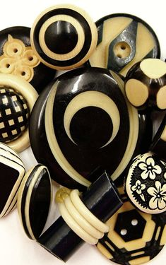 Vintage Art Deco Black and Cream Celluloid Buttons