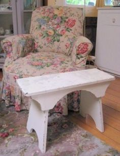 My couch and love seat have the same chintz fabric as in this picture!