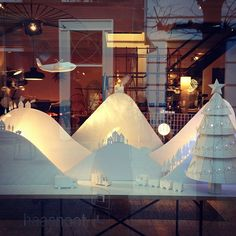 Paper windows display