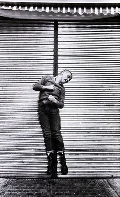 Really interesting use of the line in the background. Skinhead by Nick Knight. Dr. Martens, Skinhead Fashion, Skinhead Style, Skinhead Men, Skinhead Reggae, Skin Head, Teddy Boys, Youth Culture, Imagines
