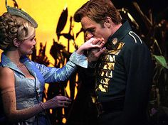 Kristin Chenoweth (Glinda) and Norbert Leo Butz (Fiyero) in the original Broadway production of Wicked the musical Broadway Wicked, Wicked Musical, Broadway Theatre, Musical Theatre, Wicked Witch, Norbert Leo Butz, The Witches Of Oz, Theatre Nerds, Theater