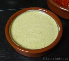 Raclette sauces and a few ideas - Rezepte - Nagel Design Dips Für Fondue, Good Food, Yummy Food, Curry Powder, Mayonnaise, Brunch, Food And Drink, Cooking Recipes, Pudding