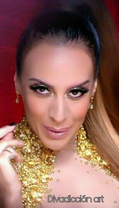 63 Ideas De Mónica Naranjo Monica Naranjo Vestido Formal Sin Espalda Cantantes Brasileños