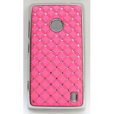 """Näyttävä suojakuori Lumia 520:n. Kuoren reunukset ovat kiiltävää """"hopeaa"""" ja takakannessa on vaaleanpunaisella taustalla pieniä tekojalokivia."""