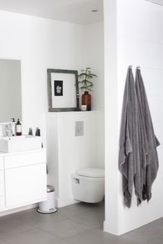 Tucked away toilet! Love it! Bathroom Bath, Bathroom Toilets, Laundry In Bathroom, White Bathroom, Bathroom Interior, Design Bathroom, Dream Bathrooms, Beautiful Bathrooms, Interior Design Trends