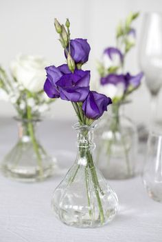 Pynt festbordet med avskårne blomster | Inspirasjon fra Mester Grønn Budget Flowers, Flower Arrangements, Glass Vase, Gardening, Concept, Party, Wedding, Home Decor, Valentines Day Weddings