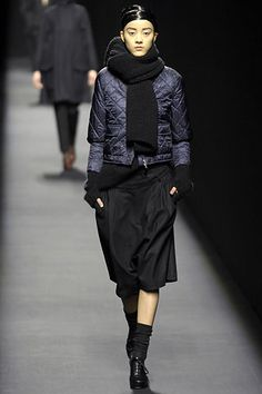 Dries Van Noten Fall 2007 Ready-to-Wear - Collection - Gallery - Style.com