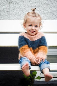 Trendy Knitting For Kids Dress Inspiration Ideas Baby Knitting Patterns, Knitting For Kids, Knitting Wool, Fluffy Sweater, Mohair Sweater, Baby Sweaters, Girls Sweaters, Crochet Bebe, Knit Crochet