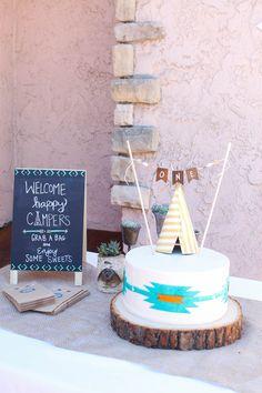Navajo Theme. Arrows. Teepee cake. ONE bunting.   Cake: Meg Pies flickr.com//photos/megpi/sets Photo Credit: Cori Kleckner Photography