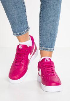 Nike Sportswear. AIR FORCE 1  07 SE - Baskets basses - sport fuchsia  44c7d3e21e