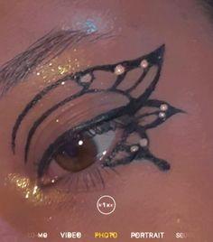 Edgy Makeup, Makeup Inspo, Eyeliner, Makeup Looks, Make Up, Butterfly, Nails, Halloween, Memes