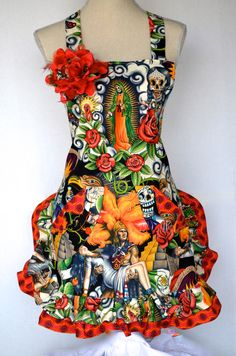 Womens+Apron+Dios+Los+Muertos++Sugar+Skull++Day+by+OliviabyDesign,+$36.95  OMGoodness!!! Someone buy me this for work!!!!!!!