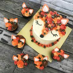 Whimsy Bakes on [Foxs Summer ] - Cake - Pretty Cakes, Cute Cakes, Beautiful Cakes, Amazing Cakes, Tortas Deli, Cake Cookies, Cupcake Cakes, 3d Cakes, Fox Cake
