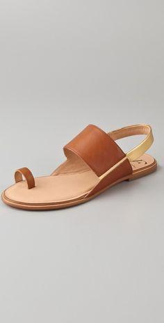 Diane von Furstenberg  Klee Toe Ring Flat Sandals  Style #:DIAVF40687