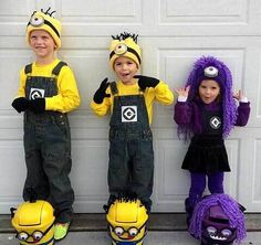 Here's Kylan Caden and Kinzley in their Minion Halloween costumes and their Minion trick or treat bags I created. I'll tell you how to make them in a later post. I have to say they turned out so m. Purple Minion Costume, Diy Minion Costume, Minion Halloween Costumes, Boy Costumes, Halloween Kids, Halloween Party, Mascot Costumes, Minion Birthday, Purple Minions