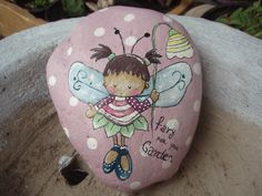 painted rock by Nora Lina Vazquez Pebble Painting, Pebble Art, Stone Painting, Stone Crafts, Rock Crafts, Arts And Crafts, Rock Painting Ideas Easy, Rock Painting Designs, Yeux Halloween