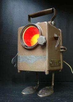 Online veilinghuis Catawiki: Steampunk robot lamp