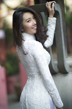 Vietnamese Traditional Dress, Vietnamese Dress, Traditional Dresses, Portraits, Ao Dai, Perfect Body, Asian Beauty, Cute Girls, High Neck Dress