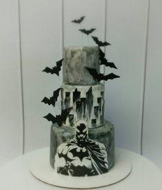 Creative take on a Batman cake Batman Birthday Cakes, Batman Cakes, Batman Party, Cake Birthday, Beautiful Cakes, Amazing Cakes, Batman Wedding, Superhero Cake, Cakes For Boys