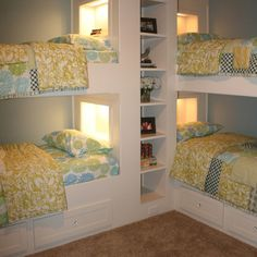 If only I had the lake house to go with this bedroom, I'd have a slumber party